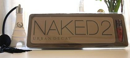 naked 2 Διαγωνισμός lesjoliesblog.com με δώρο την παλέτα Naked 2