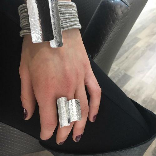 Διαγωνισμός cibrato.gr με δώρο βραχιόλι και σφυρήλατο μεταλλικό δαχτυλίδι a2cac400686